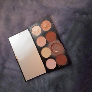 Revolution Makeup - Contour palette by Revolution